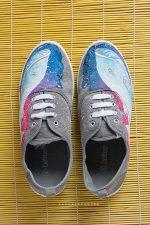 Космические кроссовки – Кеды космические женские с росписью «Космос». Роспись кед – купить в интернет-магазине на Ярмарке Мастеров с доставкой — 9KLMRRU